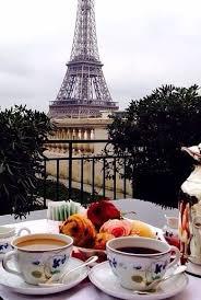 Un mic dejun elegant.E lamoda?!